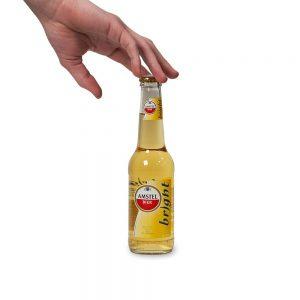 1 flesje amstel bright met hand